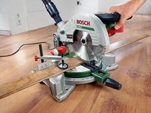 Bosch PCM 8 Kapp - und Gehrungssäge im Einsatz