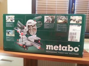 Metabo Kappsäge KGS 254 M im Karton